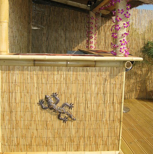 thatch covering side of an outdoor bar